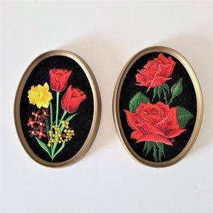 Set of 2 Floral Theme Oval Pictures.